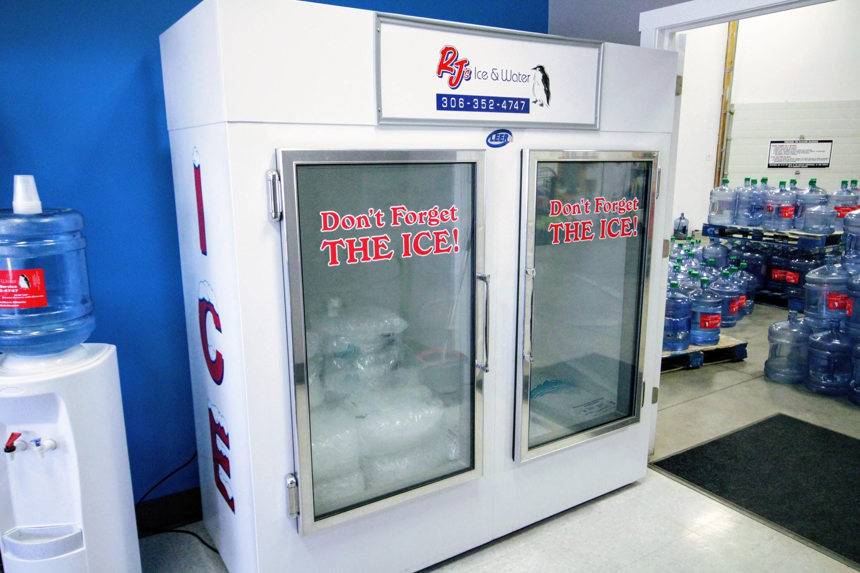 Glass freezer 75
